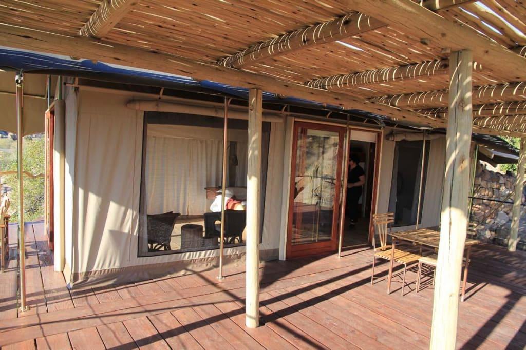 Zelt Terrasse : Bild u0026quot;Unser Zelt und Terrasse u0026quot; zu Hotel Erongo Wilderness