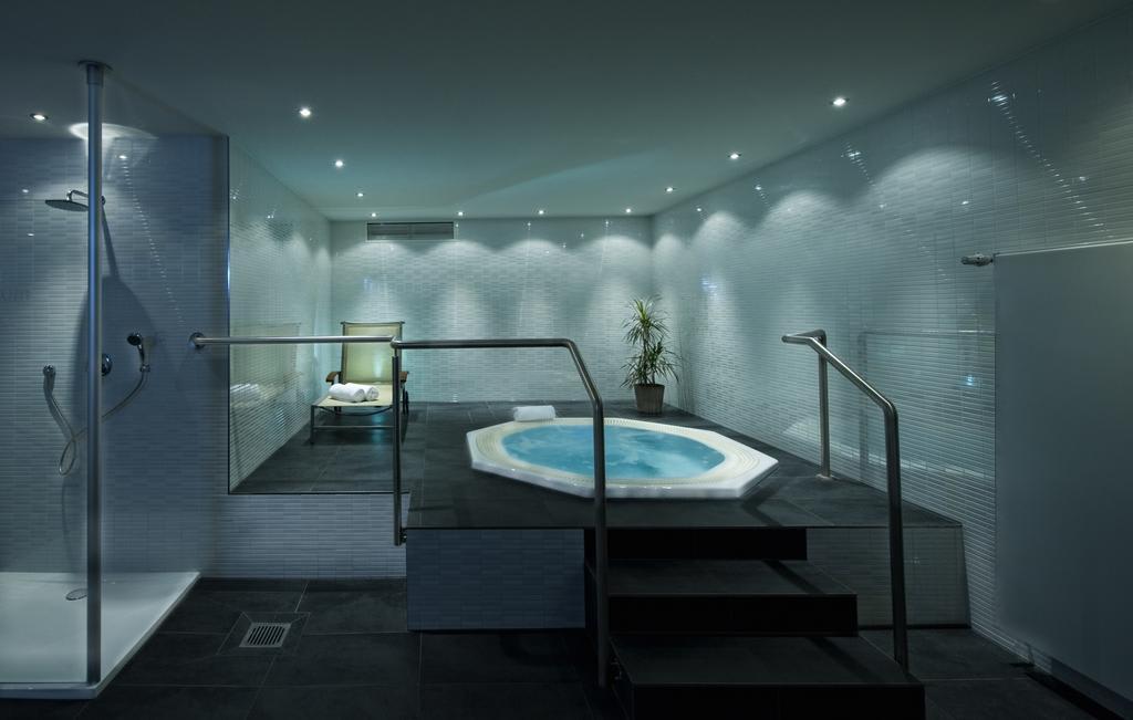 Berlin hotel whirlpool zimmer das beste aus wohndesign for Wohndesign charlottenburg