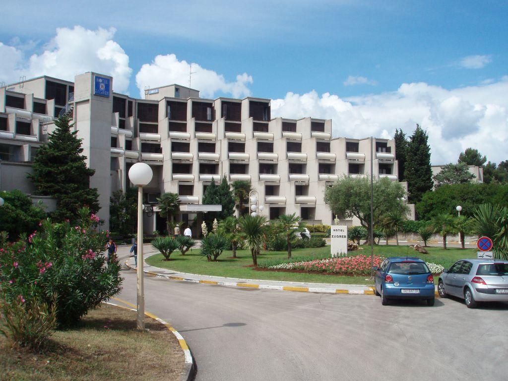 Bild hotel zagreb porec haupteingang zu valamar zagreb for Hotels zagreb