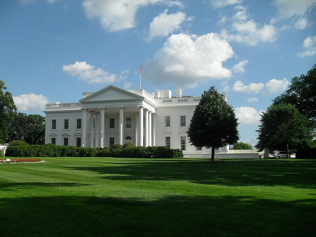 bild blick auf das weisse haus zu wei es haus white house in washington d c. Black Bedroom Furniture Sets. Home Design Ideas