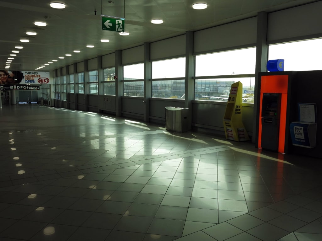 Bild Abflugbereich Zu Flughafen Wien Schwechat Vie In Schwechat