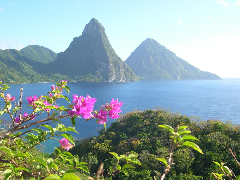 bild beautiful st lucia pitons vom jade mountain zu deux pitons in soufriere. Black Bedroom Furniture Sets. Home Design Ideas