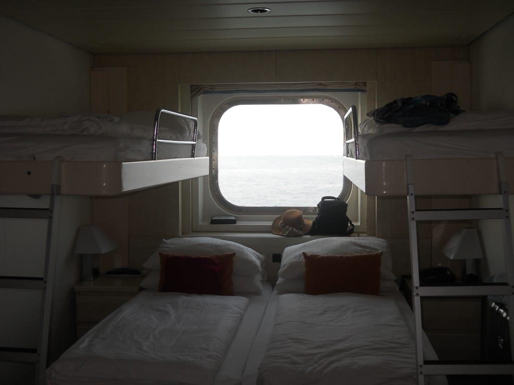 bild kabine 4085 betten zusammen gestellt bei 4 39 er belegung zu mein schiff 2 in. Black Bedroom Furniture Sets. Home Design Ideas