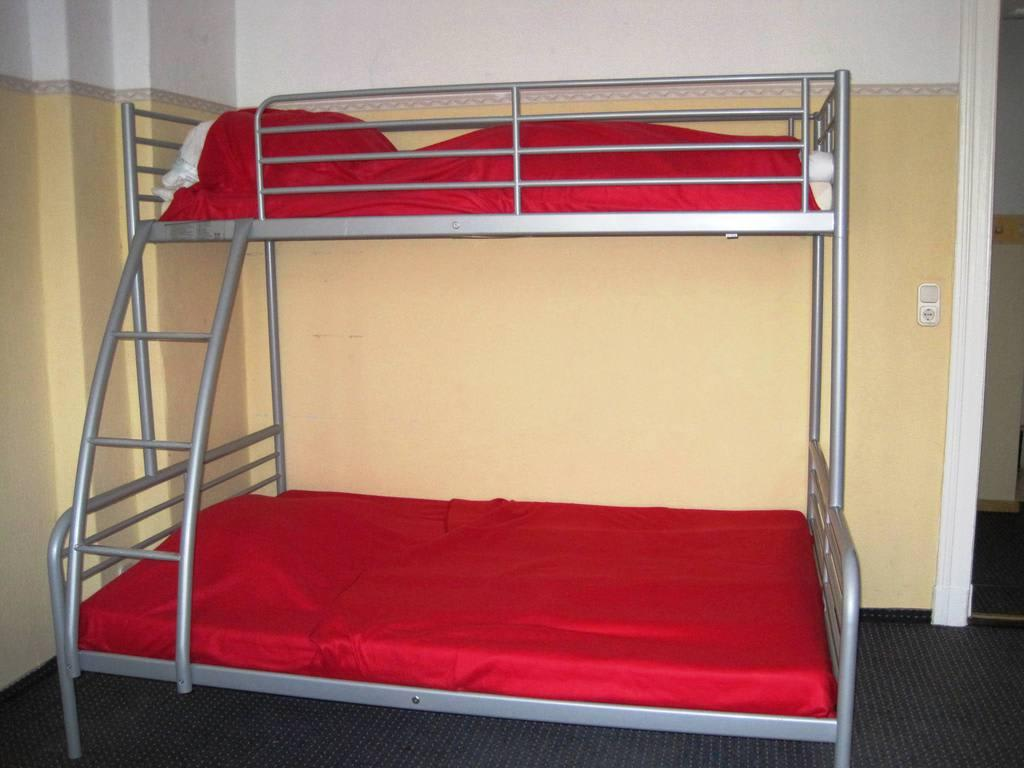 bild stockbett zu apartments kolo 77 in berlin mitte. Black Bedroom Furniture Sets. Home Design Ideas