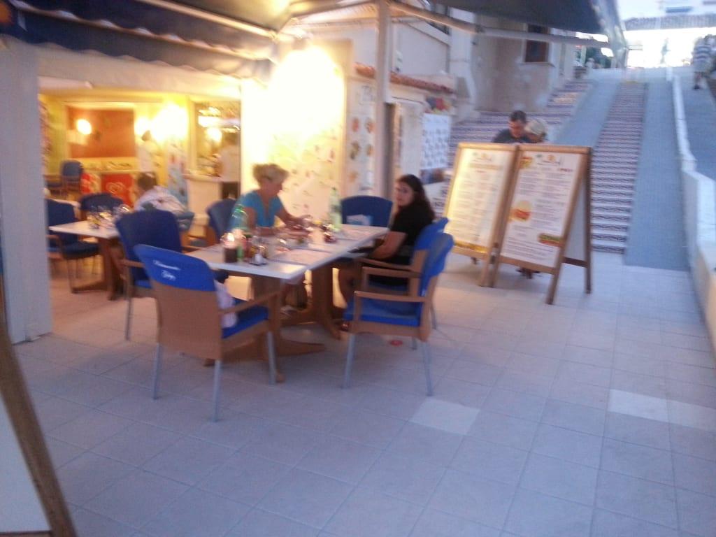 bild die damen brigitte und tanja zu restaurant gaby in peguera. Black Bedroom Furniture Sets. Home Design Ideas