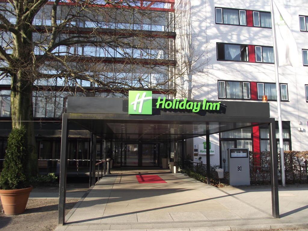 bild haupteingang rohrdamm zu hotel holiday inn berlin city west in berlin spandau. Black Bedroom Furniture Sets. Home Design Ideas