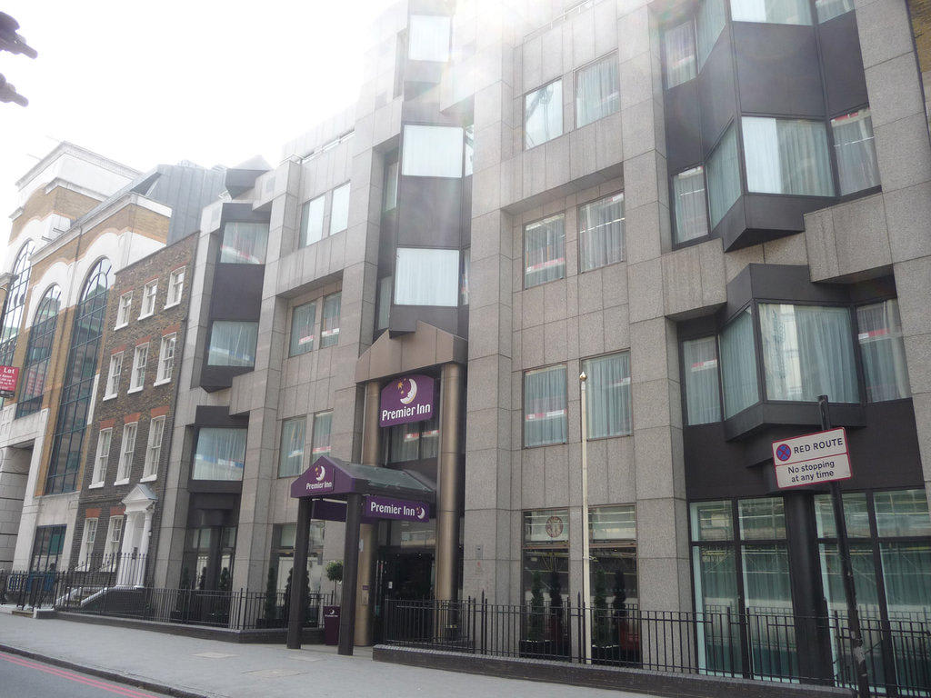 Hotel Premier Inn London City