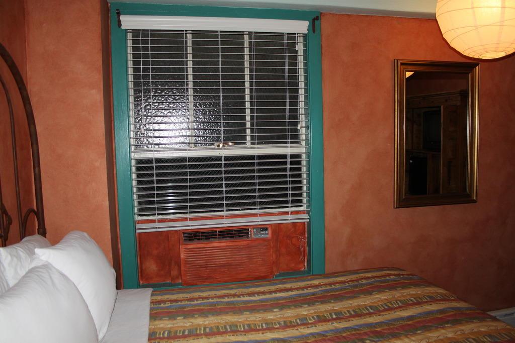 fenster holz einfach verglast. Black Bedroom Furniture Sets. Home Design Ideas