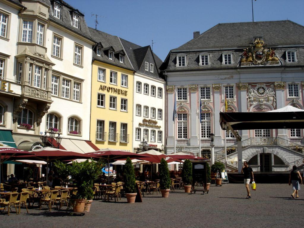 bild der marktplatz in der bonner innenstadt zu marktplatz in bonn. Black Bedroom Furniture Sets. Home Design Ideas