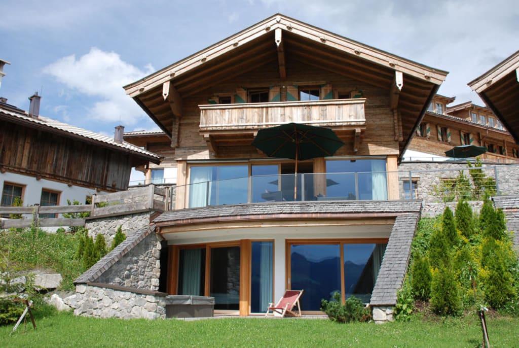 bild chalet zu maierl alm chalets in kirchberg in tirol. Black Bedroom Furniture Sets. Home Design Ideas