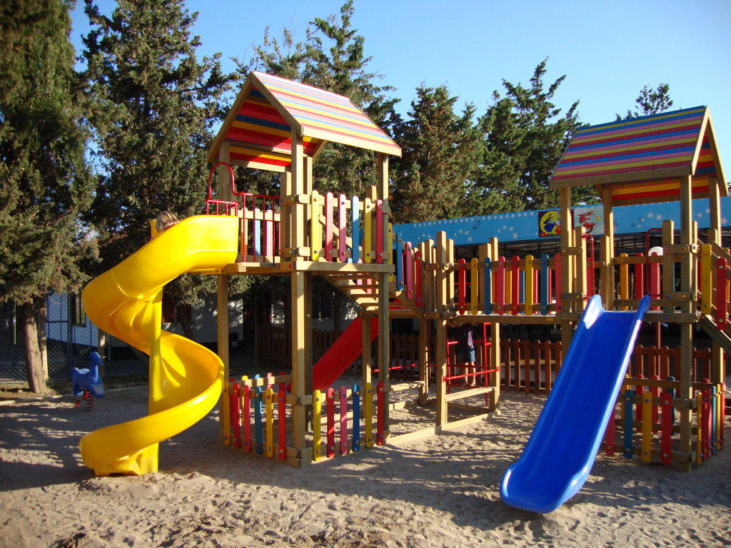 bild kinderspielplatz zu hotel ali bey club in manavgat kizilagac. Black Bedroom Furniture Sets. Home Design Ideas