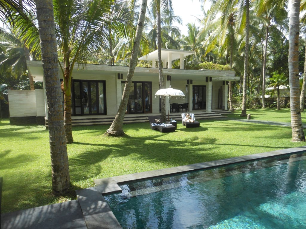 bild bungalow mit pool zu kelapa retreat bali in negara. Black Bedroom Furniture Sets. Home Design Ideas