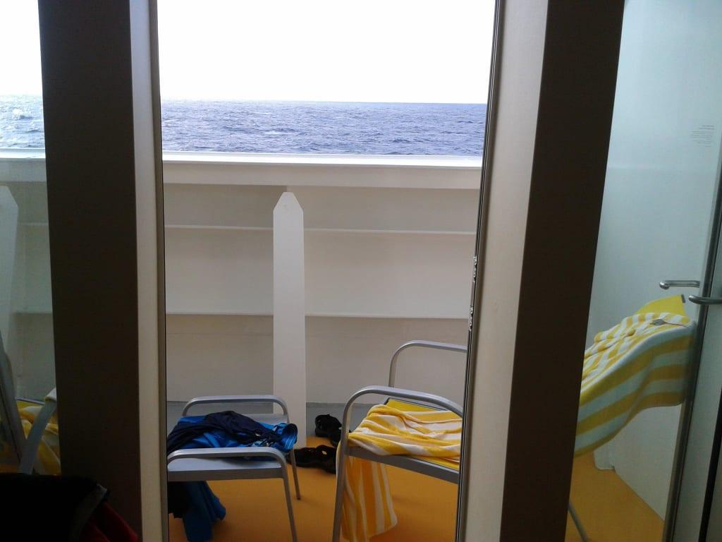bild balkon blickrichtung vom bett aus zu aidastella in. Black Bedroom Furniture Sets. Home Design Ideas