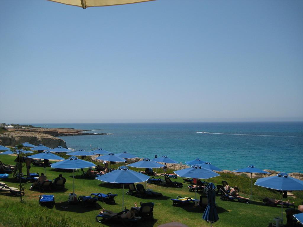 Bild quotkaskadenquot zu hotel club atlantica sun garden beach for Katzennetz balkon mit sun garden hotel ayia napa