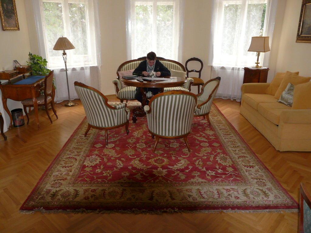 bild sch nes wohnzimmer zu hotel alte villa apartments. Black Bedroom Furniture Sets. Home Design Ideas