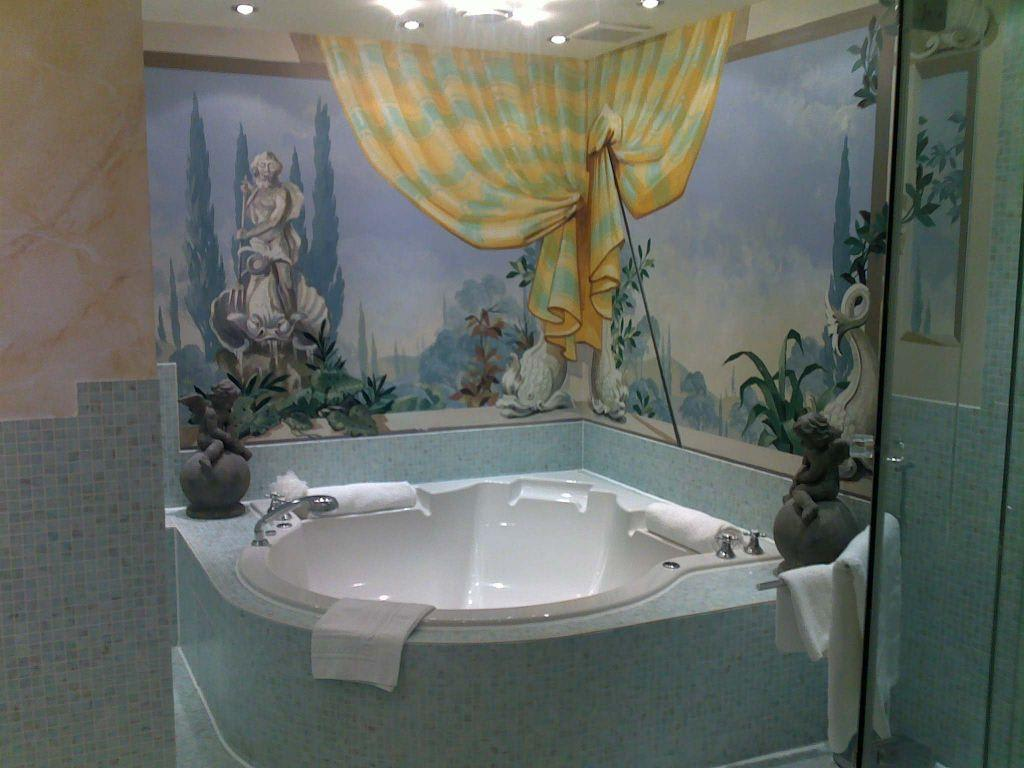 bild whirlpool gaudi suite zu hotel savoy in k ln. Black Bedroom Furniture Sets. Home Design Ideas