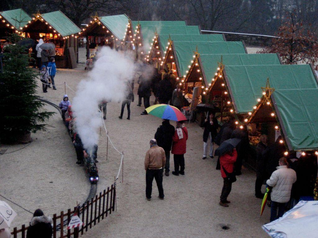 Weihnachtsmarkt Bad Homburg.Bild Bad Homburger Schloss Zu Schloß Homburg In Bad Homburg