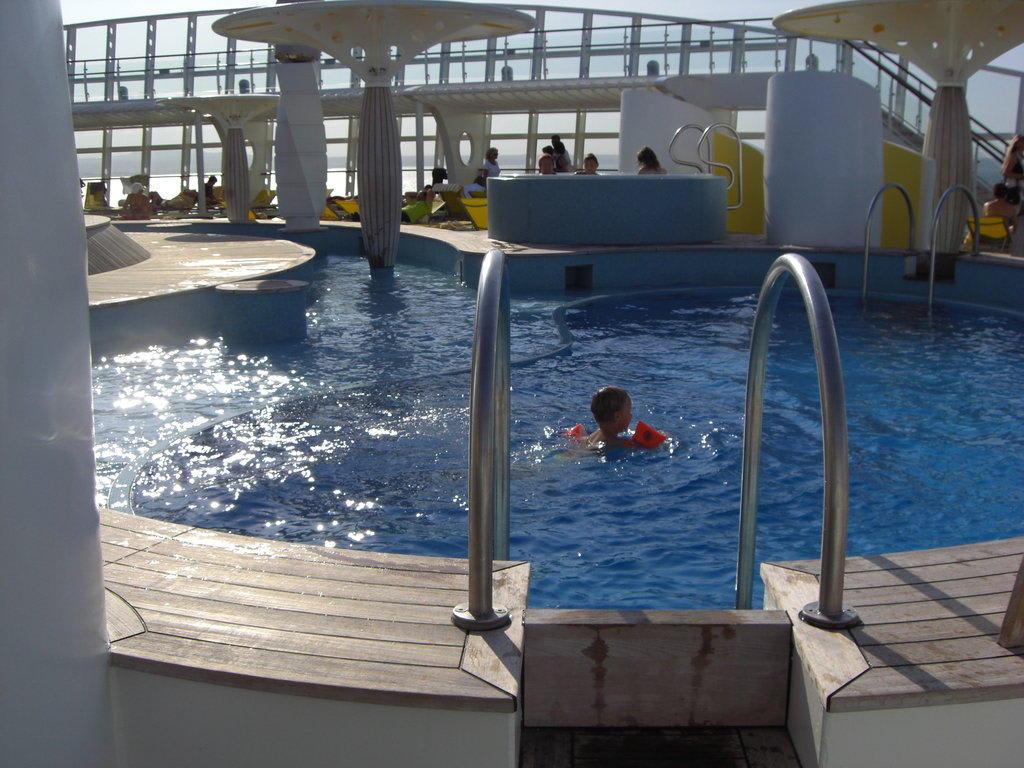 Anspruchsvoll Pool Salzwasser Das Beste Von Einer Der 2 Pools