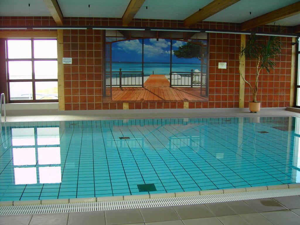 Bild schwimmbad panorama pool zu hotel mercure for Schwimmbad offenburg offnungszeiten
