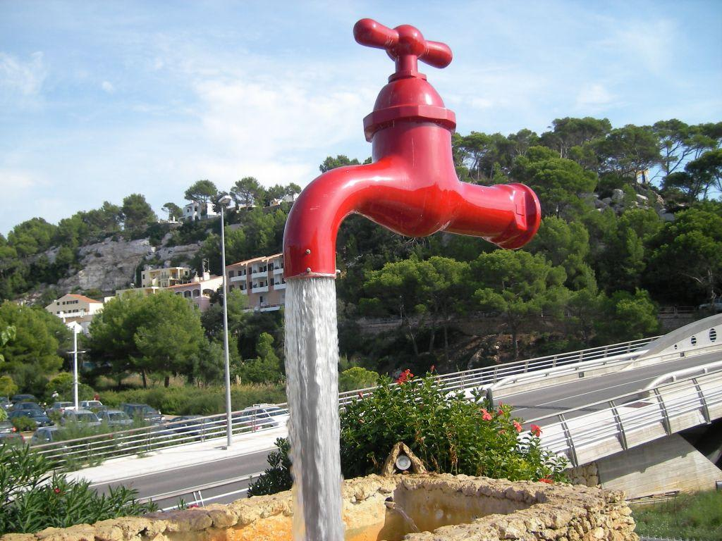 Großer Wasserhahn Bilder Sonstige Sehenswürdigkeit Cala Galdana