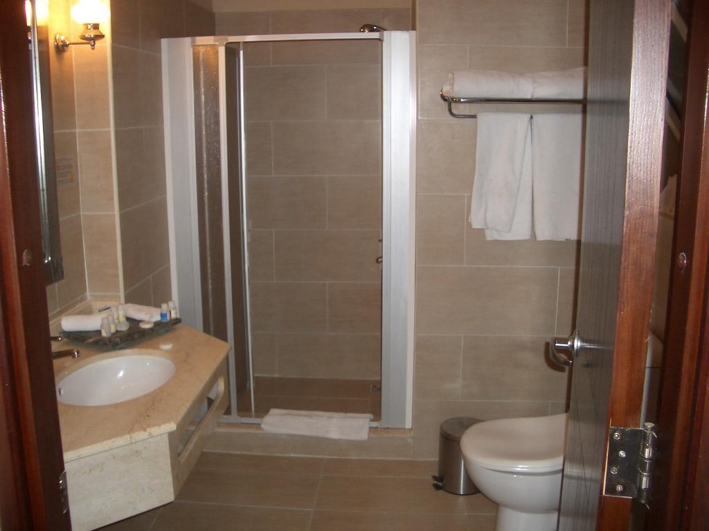 bild sch ne duschen zu hotel iberotel makadi beach in