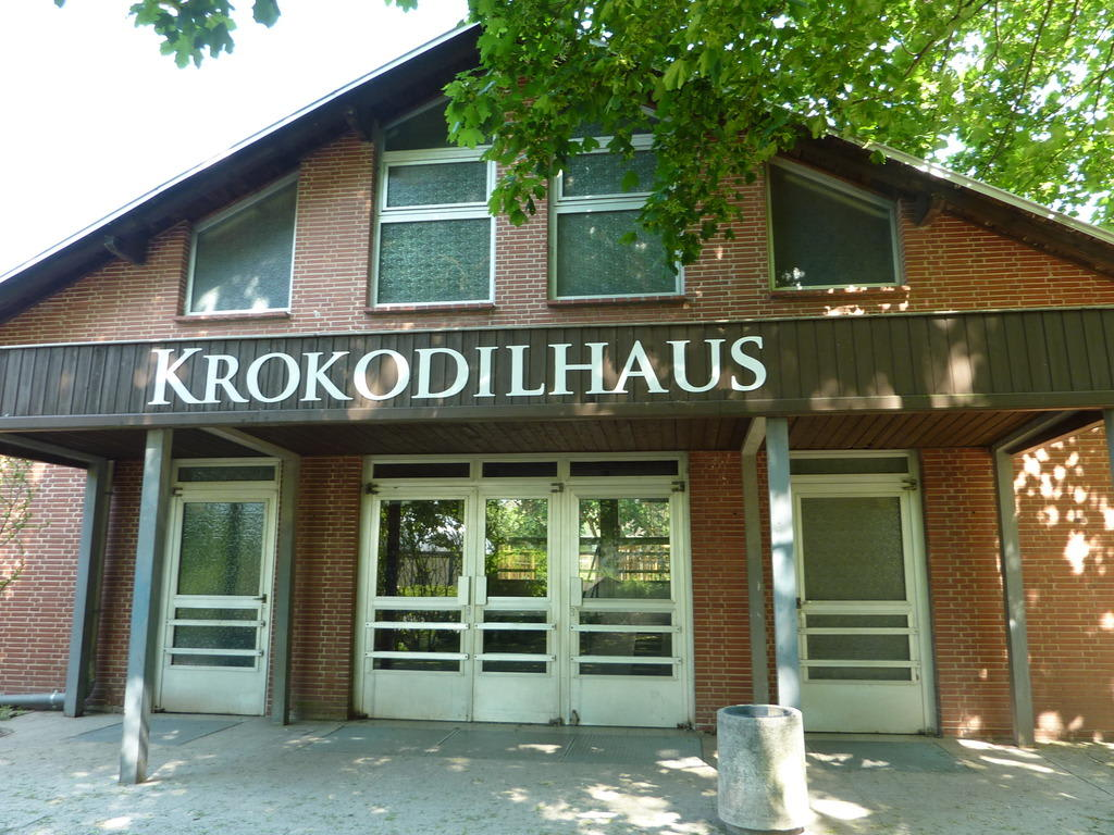 bild krokodilhaus zu tierpark friedrichsfelde in berlin lichtenberg. Black Bedroom Furniture Sets. Home Design Ideas