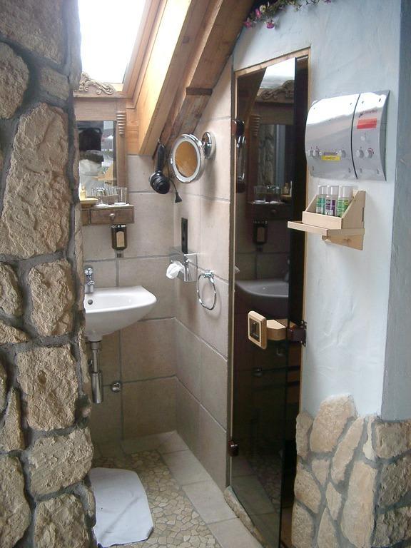 Die Dusche Ist Mein Freund : befindet sich die Sauna. Links (leider ...
