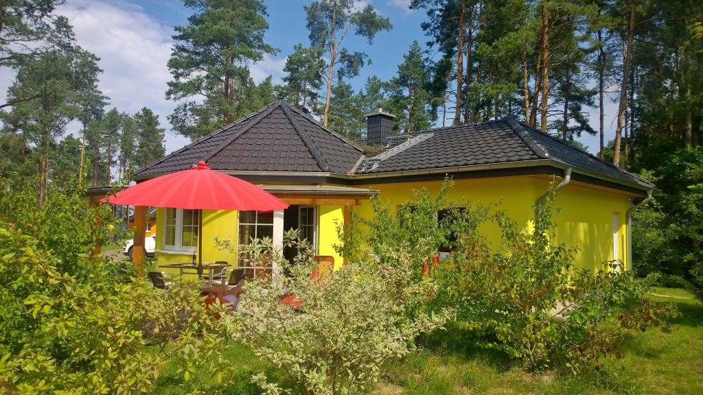 bild bungalow villa zu familienpark senftenberger see. Black Bedroom Furniture Sets. Home Design Ideas