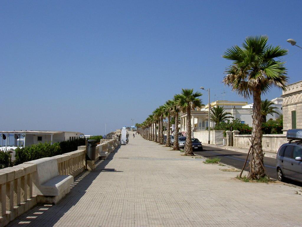 Bild Quot Strandpromenade Quot Zu Strandpromenade Leuca In Leuca