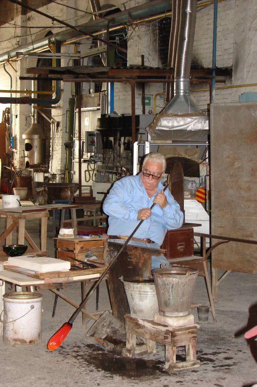 Bild glasbl ser in murano zu insel murano in venetien - Murano bilder ...