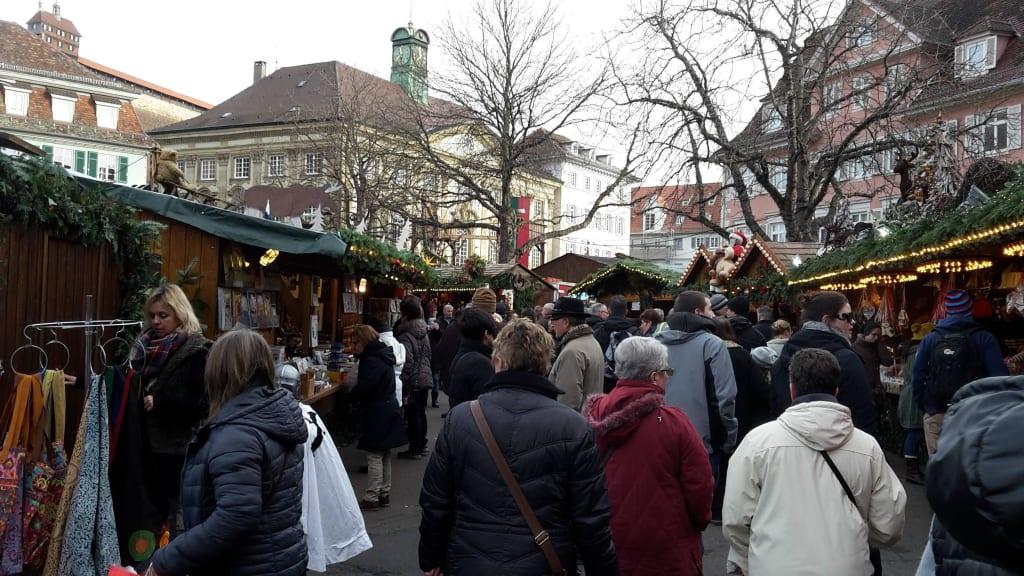 Mittelalterlicher Weihnachtsmarkt.Bild Mittelalterlicher Weihnachtsmarkt Zu Mittelalter Und