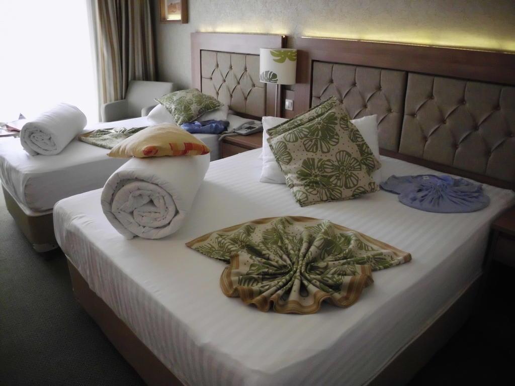 bild nach dem zimmer aufr umen zu vera verde resort in belek. Black Bedroom Furniture Sets. Home Design Ideas