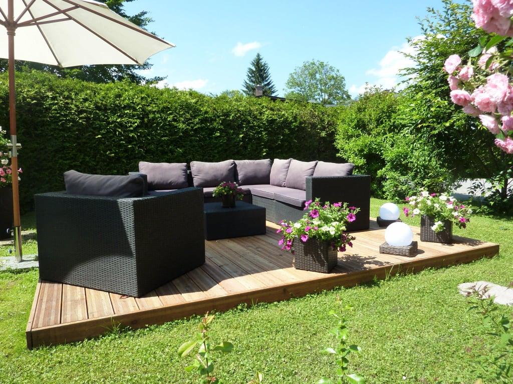bild garten lounge zu landhaus haid in sch nau am k nigssee. Black Bedroom Furniture Sets. Home Design Ideas