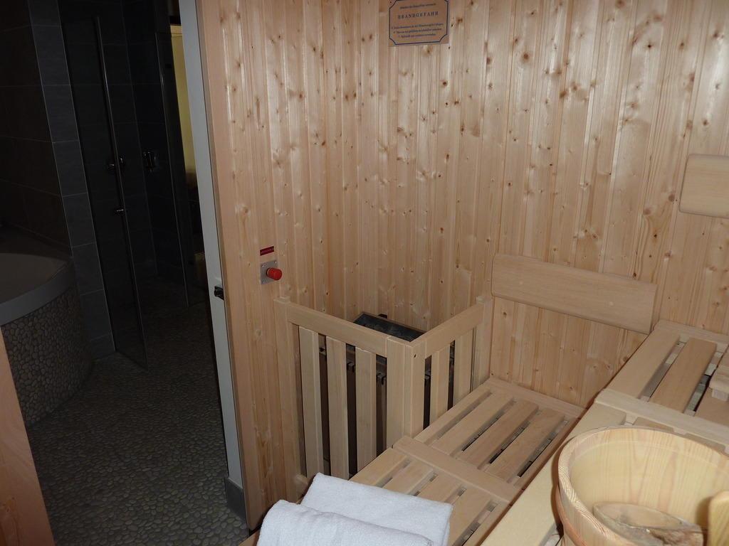 bild sauna zu lindner park hotel hagenbeck in hamburg. Black Bedroom Furniture Sets. Home Design Ideas