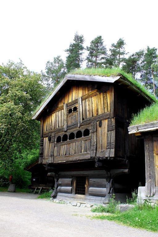 bild haus mit grasdach zu bygdoy freilichtmuseum in oslo. Black Bedroom Furniture Sets. Home Design Ideas
