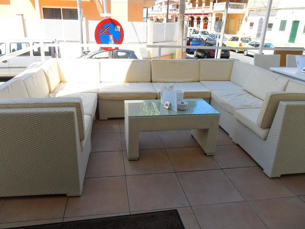 bild gem tliche sitzlounge zu hostal playa de palma in el arenal s 39 arenal. Black Bedroom Furniture Sets. Home Design Ideas