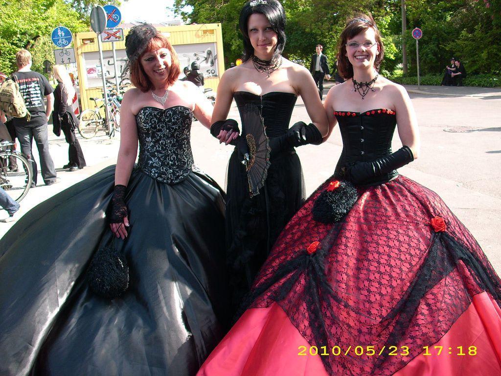 Berühmt Gothic Cocktailkleid Bilder - Brautkleider Ideen - cashingy.info