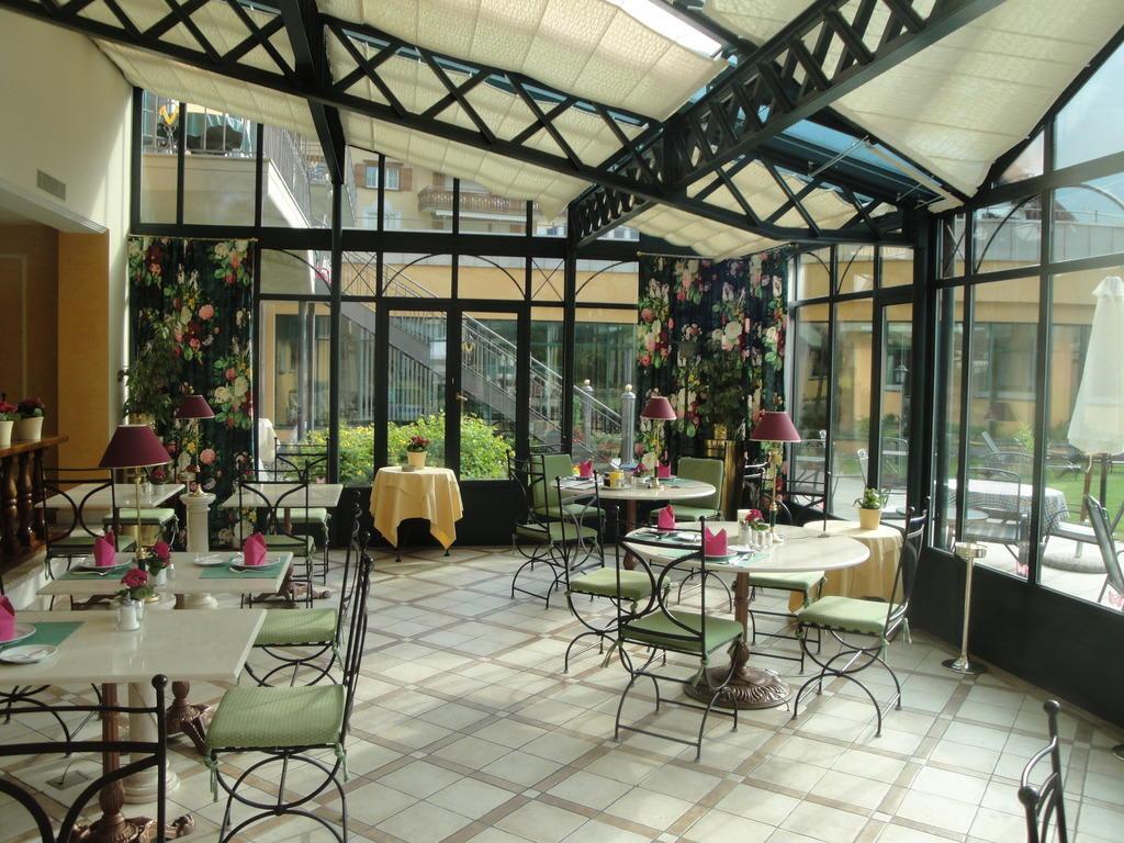 bild fr hst cksraum im wintergarten zu hotel vereina in. Black Bedroom Furniture Sets. Home Design Ideas