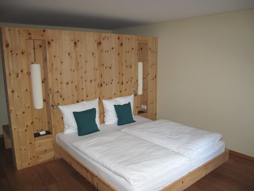 bild bett zu arosea life balance hotel in ulten. Black Bedroom Furniture Sets. Home Design Ideas