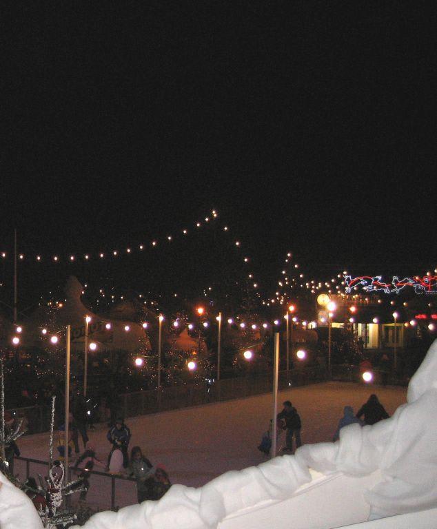 bild europa park winterzauber eislaufbahn zu europa park in rust. Black Bedroom Furniture Sets. Home Design Ideas