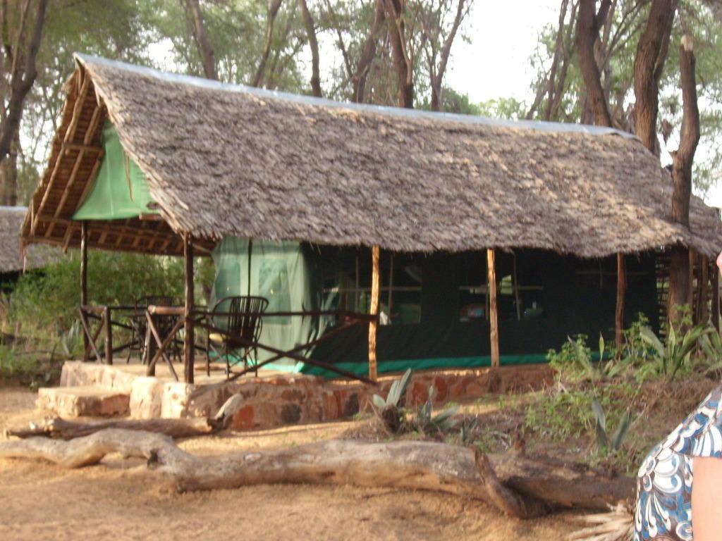 Zelt Terrasse : Bild u0026quot;Unser Zelt mit kleiner Terrasse u0026quot; zu Lodge Patterson