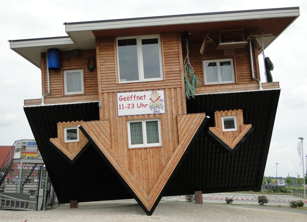 Bild Haus Verkehrt Herum Zu Das Verruckte Haus In Bispingen