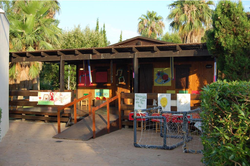 """Rooms: Bild """"Kinder-Spielhaus"""" Zu Protur Safari Park Aparthotel"""