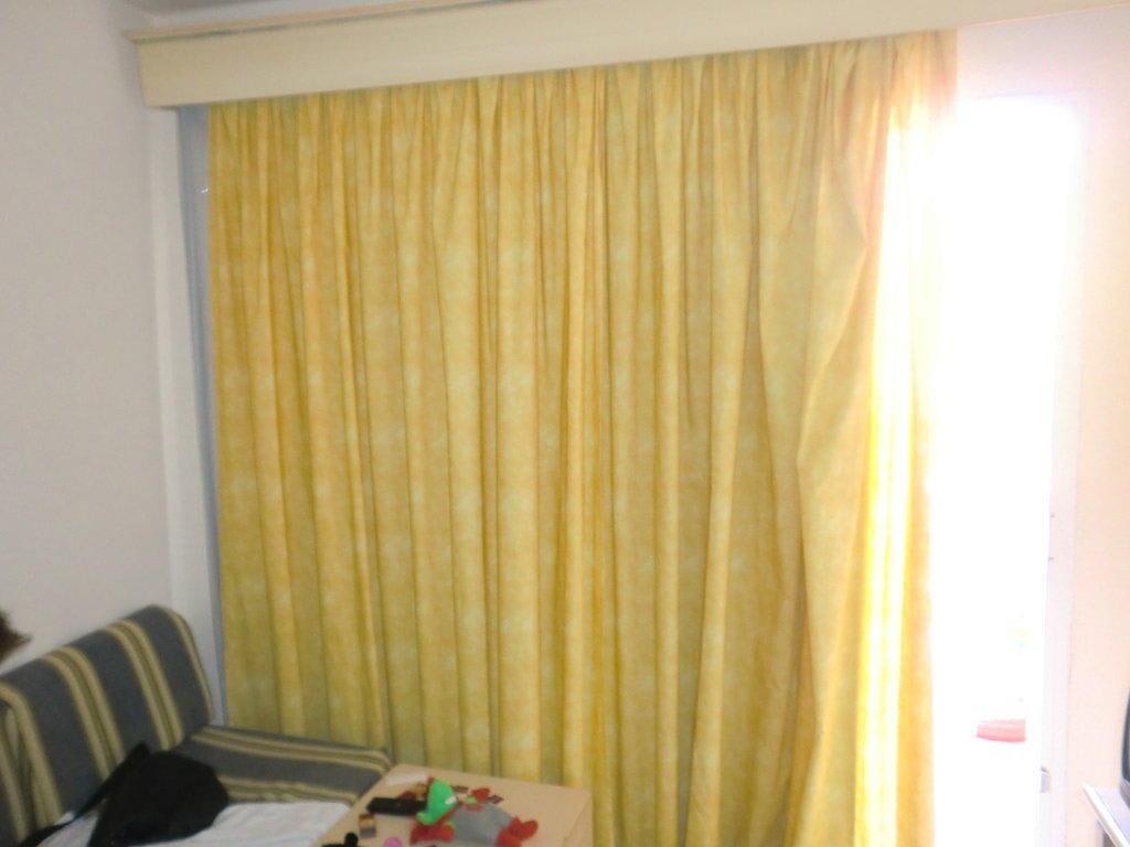 bild vorhang wohnzimmer zu bq alcudia sun village in. Black Bedroom Furniture Sets. Home Design Ideas