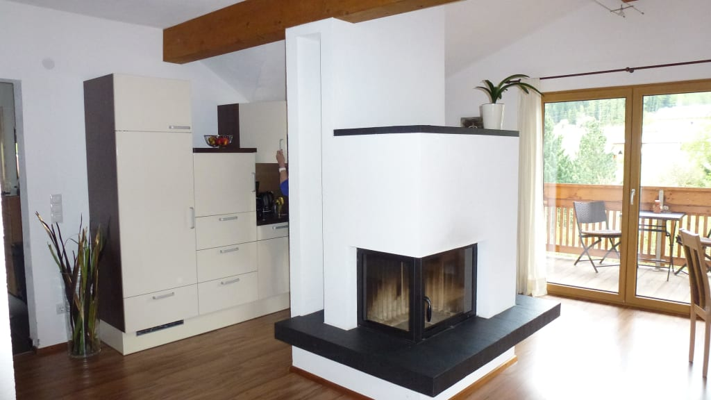 Bild wohnzimmer esszimmer zu landhaus waldhart in umhausen for Wohnzimmer esszimmer