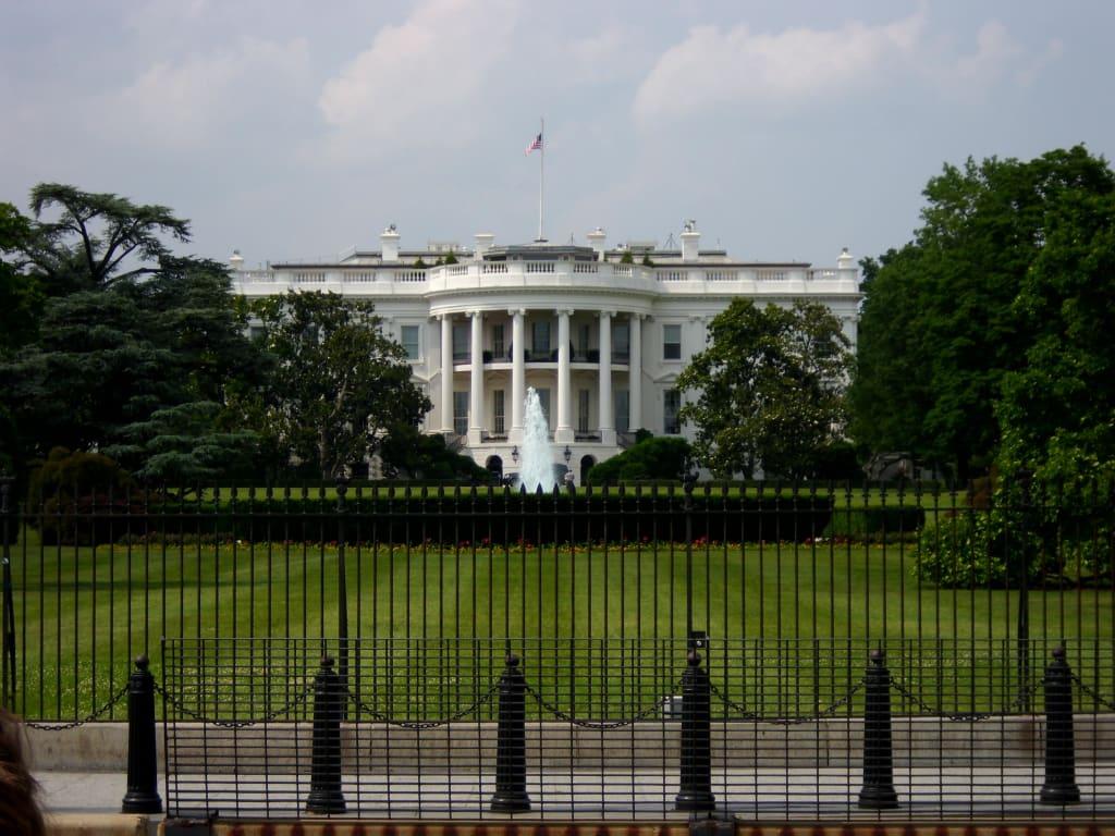bild wei es haus zu wei es haus white house in washington d c. Black Bedroom Furniture Sets. Home Design Ideas