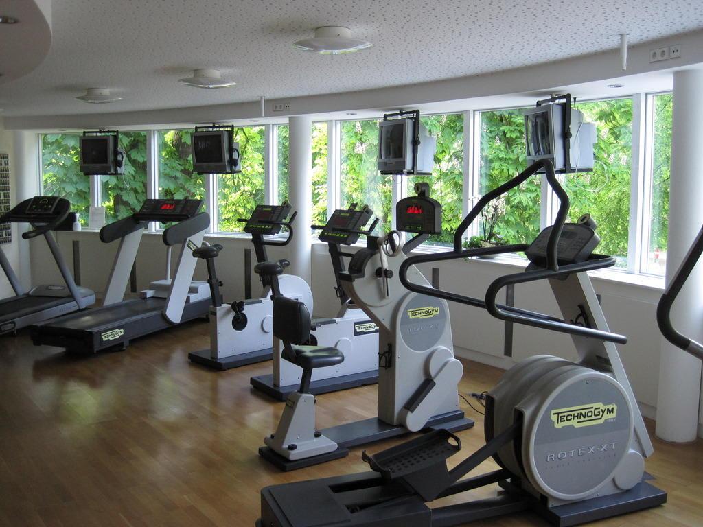bild fitness center zu dorint park hotel bremen in bremen. Black Bedroom Furniture Sets. Home Design Ideas