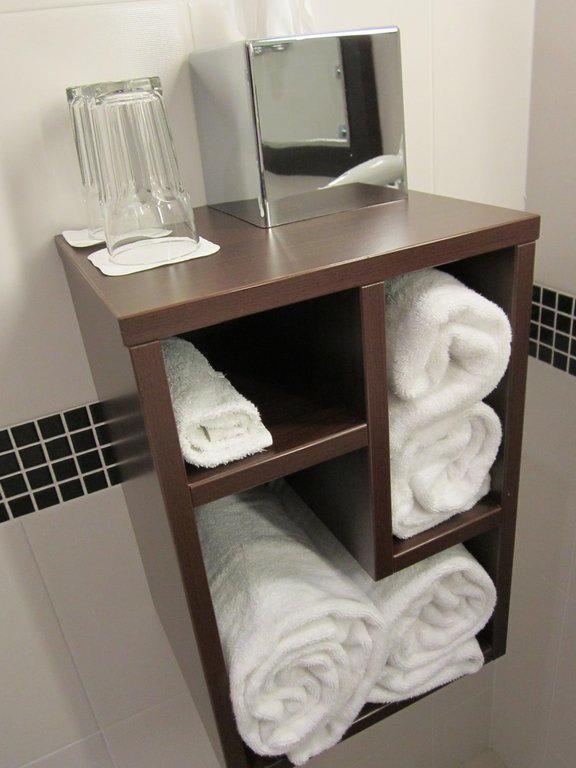 Handtuch regal bad haus design m bel ideen und - Handtuch regal selber bauen ...