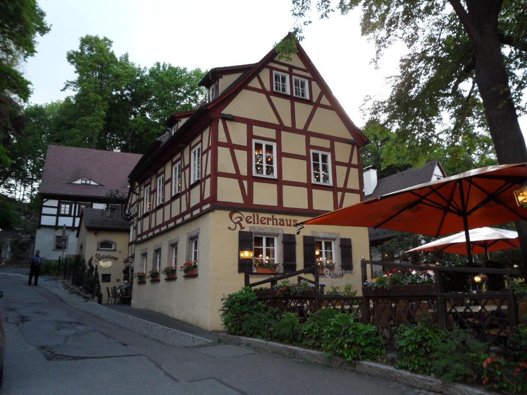 bild restaurant zu gastst tte kellerhaus in chemnitz. Black Bedroom Furniture Sets. Home Design Ideas
