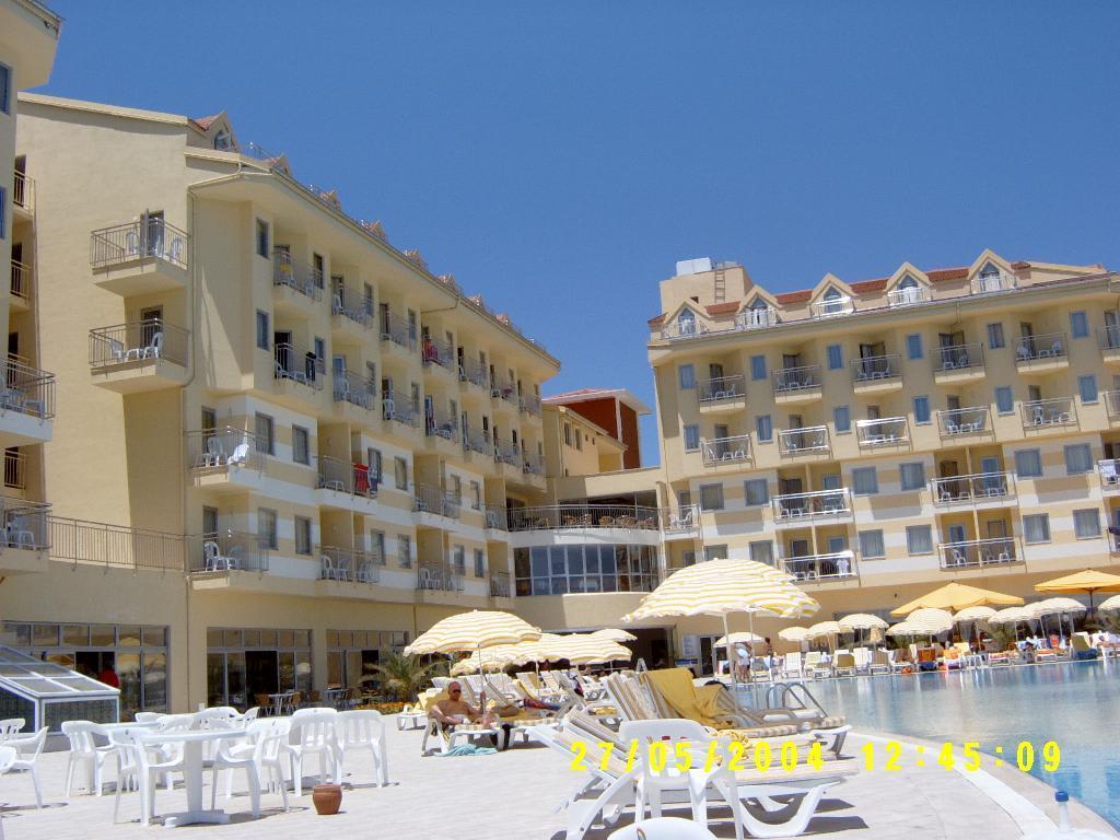 bild diamond beach poolblick auf hotel zu diamond beach hotel spa in side g ndogdu. Black Bedroom Furniture Sets. Home Design Ideas